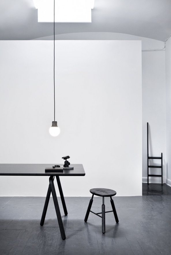 Light over table with stool - Phot by Norm Architects