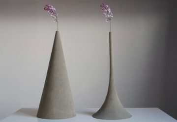 Sand Vases by Yukihiro Kaneuchi - Image taken from contemporist.com