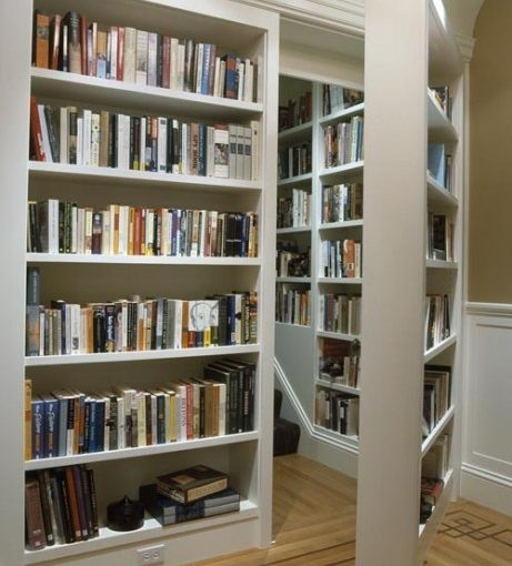 Secret Bookshelf Staircase entrance - Photo by f*ckyeahbookshelves