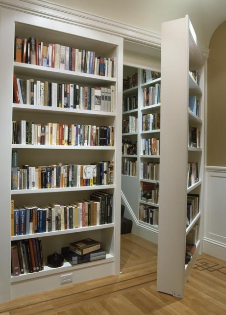 Secret Bookshelf Staircase entrance - Photo by f*ckyeahbookshelves
