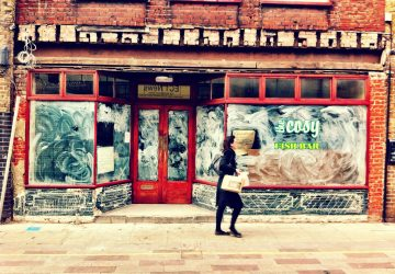In transition, Whitecross Street - Photo by Stefan Ferreira