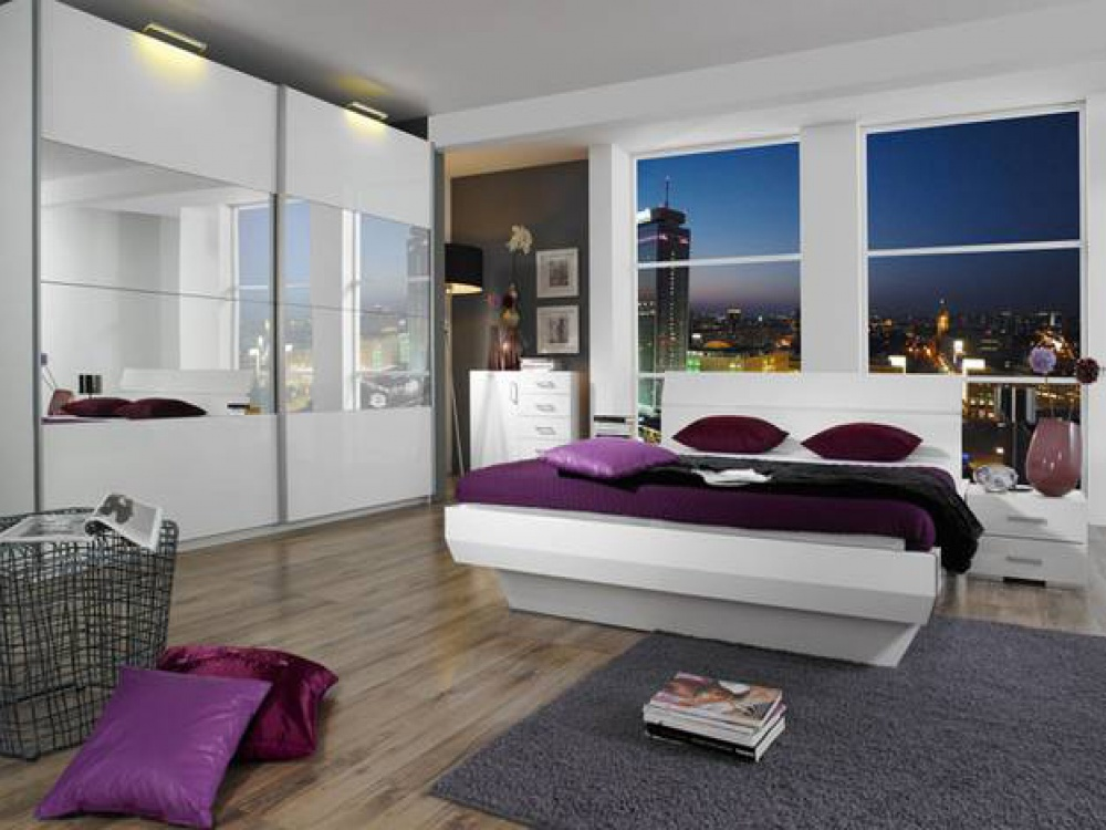 Classy white and modern high gloss bed from tira