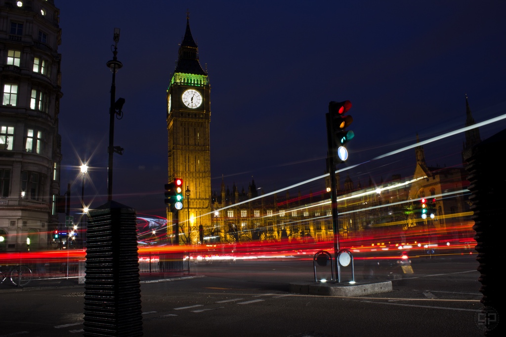 Big Ben and Lights in foreground - Photo by Kintarojoe