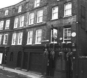 The Grapes - Narrow Street