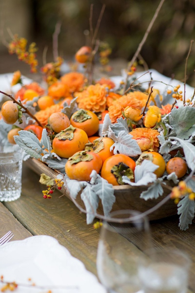 Autumnal decoration with persimmons - bykoket.com