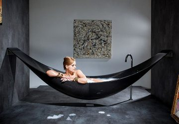 The Hammock Bathtub