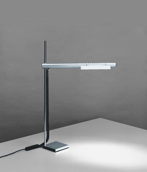 HALO desk light by Baltensweiler