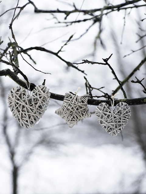 Winter ornaments - From http://cherry-blossom-world.blogspot.co.uk/