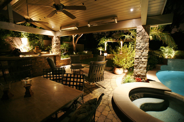 Beautiful outdoor lighting - Photo by  Landscape Design Advisor