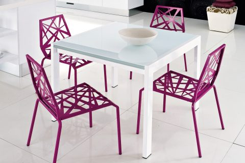 Mix Atra - Small designer table and dining chair set - Photo from Fads