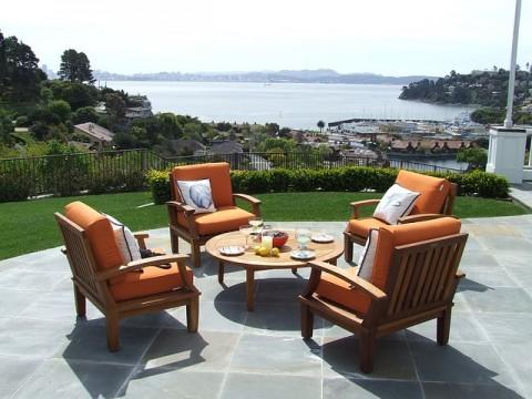 Teak Patio Furniture - Photo by rhyslud