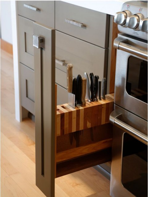 Built in knife draw