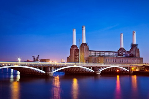 Battersea Power Station from Chelsea Bridge London UK - by Mark Colliton