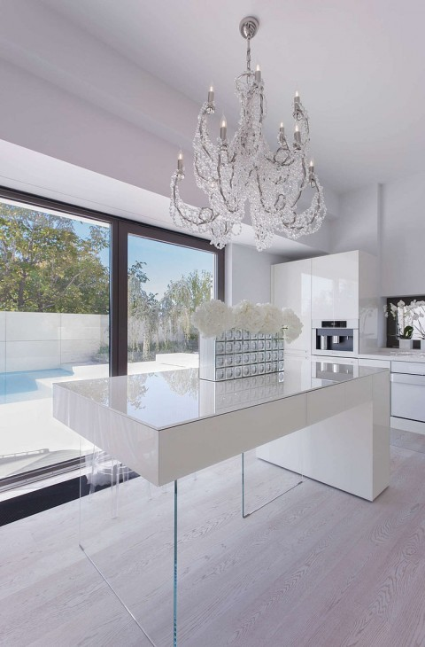 Modern Gloss White Kitchen with Chandelier