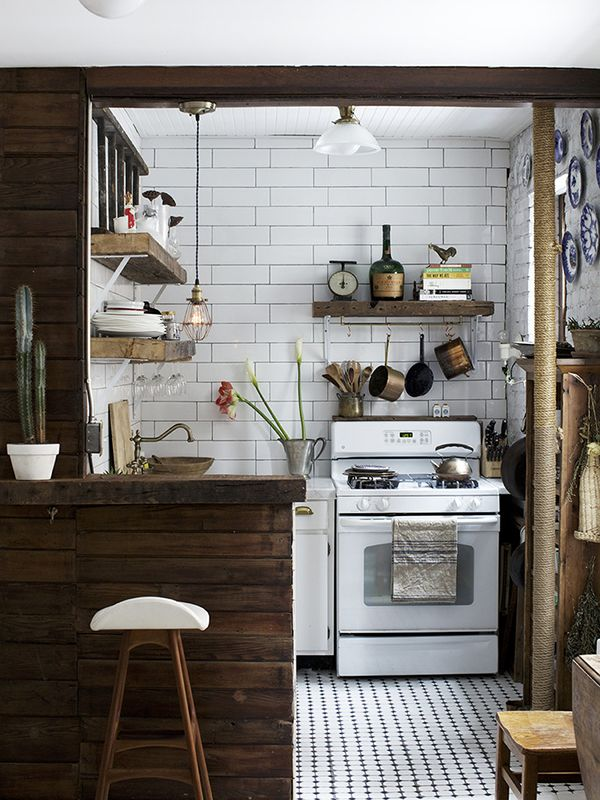 5 space saving ideas for a small kitchen for Small kitchen space saving ideas