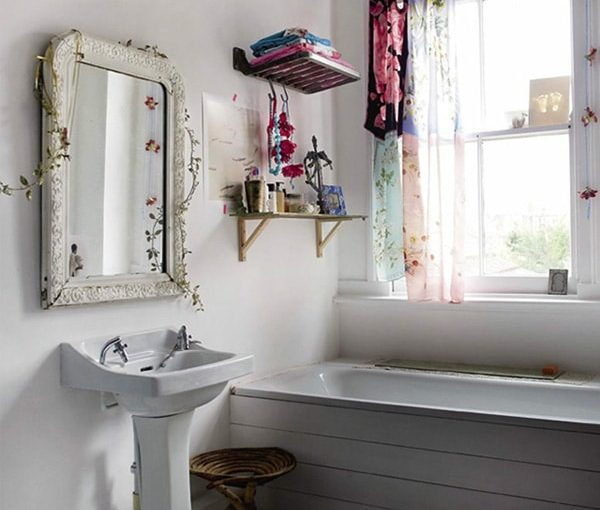 Make Your Bathroom Look Bigger With These Simple Ideas