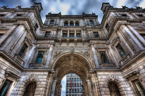 Starting a Business in London: The Most Desirable Areas - Royal Academy of Arts Mayfair London