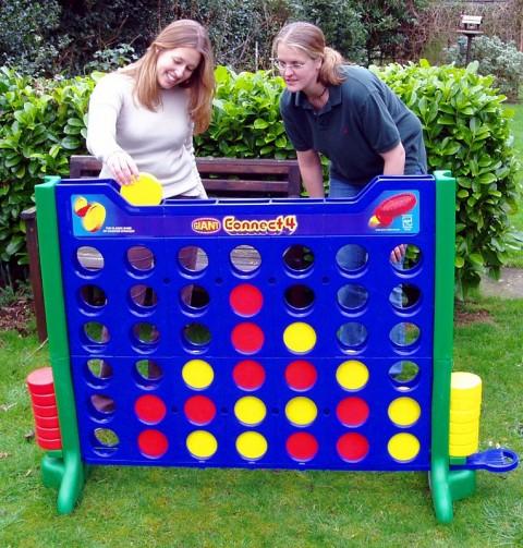 10 Fun Garden Toys - Giant Connect 4