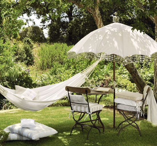 5 Ways To Create A Relaxing Garden - Garden Furniture, Hammock & Parasol