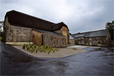 10 Wedding Venues In Devon - The Great Barn