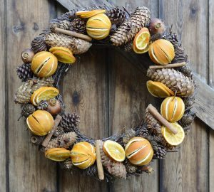 Christmas Wreaths To Suit Every Style - Orange Christmas Wreath - Via cotswoldgrey.com