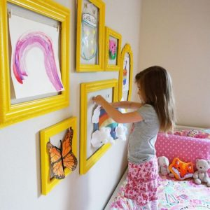 Creative frame idea to keep the kids busy!