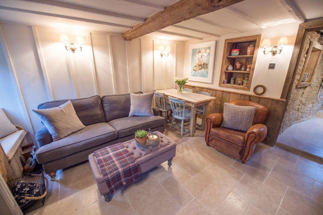 5 Cottages With Beautiful Interiors To Holiday In - Little Cotswold Cottage