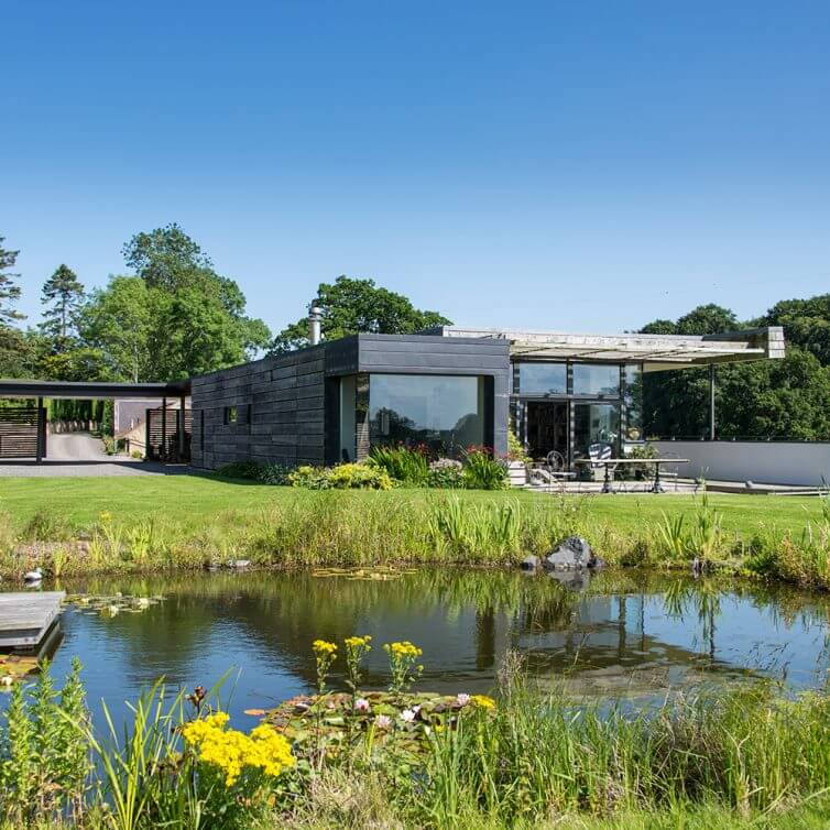 8 Incredible Eco Homes - Image From IdealHome.co.uk