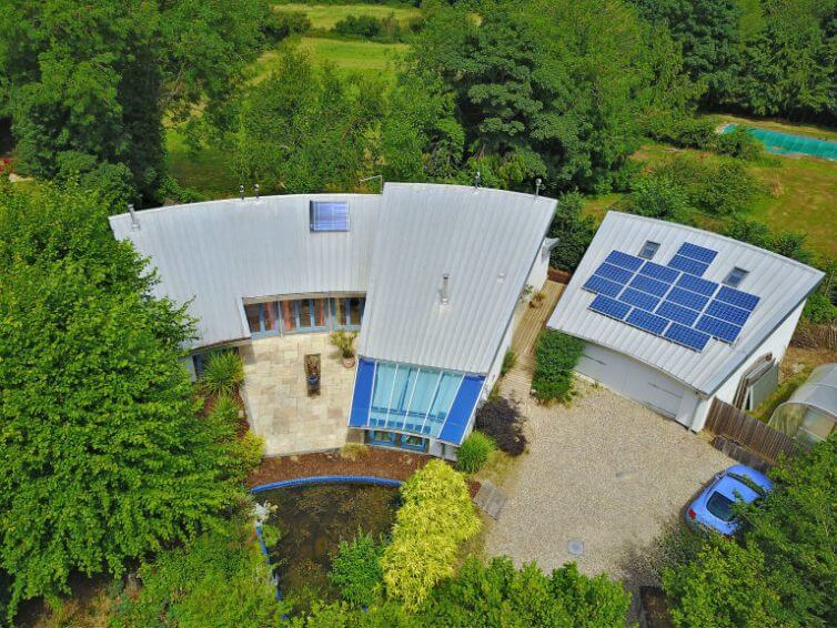 8 Incredible Eco Homes - Image From FennWright.co.uk