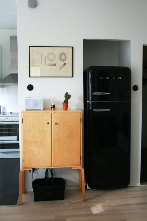 How to Stop Your Fridge Producing so Much Condensation - Image From ApartmentTherapy.com
