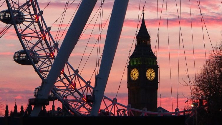Top 10 Romantic City Breaks - London Eye