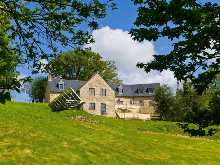 5 Holiday Homes In Brittany Perfect For Group Gatherings - Gite de la Pierre