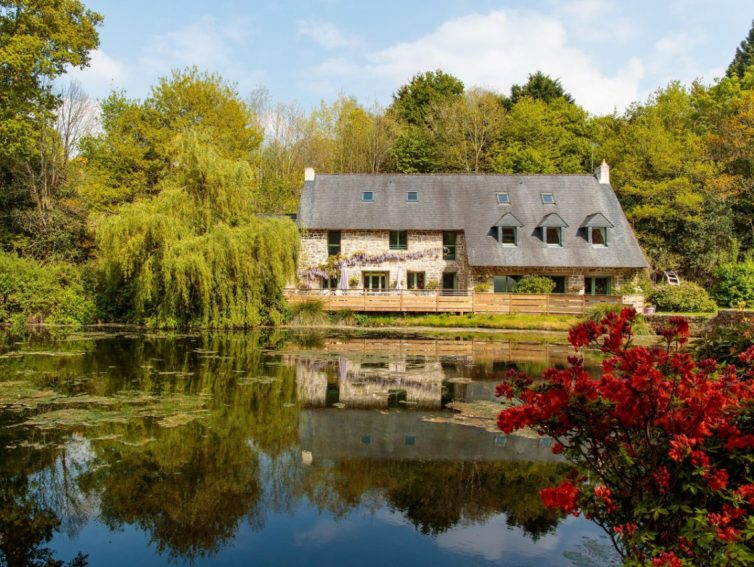5 Holiday Homes In Brittany Perfect For Group Gatherings - Moulin du Ruisseau