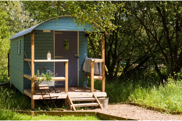 6 Reasons To Embark An A Glamping Holiday - Bramble Shepherds Hut - Ottery St Mary