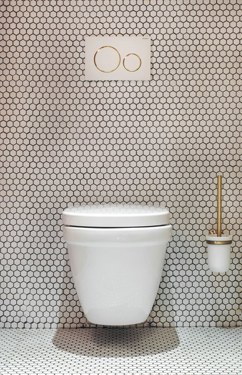 Bathroom Bliss: Tips For Selecting The Right Fixtures For Your Bathroom - Toilet - КУРОРТЫ Wine Bar St Petersburg - Image From Archi Lovers