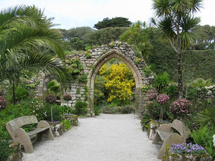 7 Of The Best Gardens In Cornwall - Tresco Abbey Gardens
