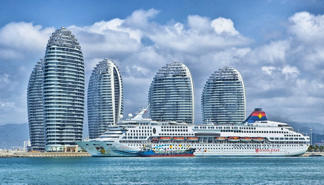 3 Major Reasons For The Rise Of Tourism in Dubai - Cruise Ship