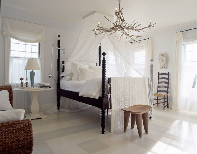 Sleep In Style: 4 Reasons To choose A Four-Poster Bed - Image By Sam Gray - Design by Gauthier~Stacy