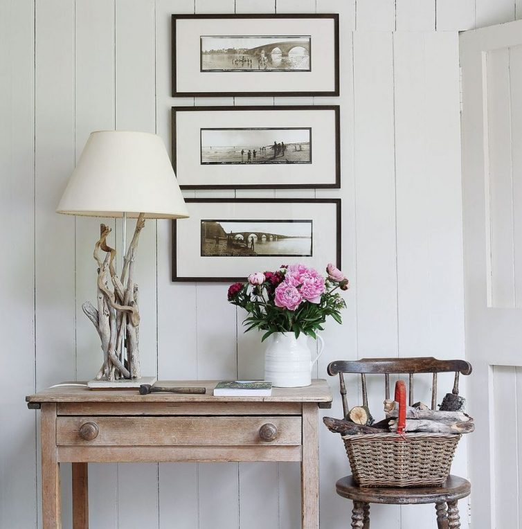 How To Redecorate Your Landing Area - Jeanetta Rowan-Hamilton's Scotish Lodge - Image By Elsa Young