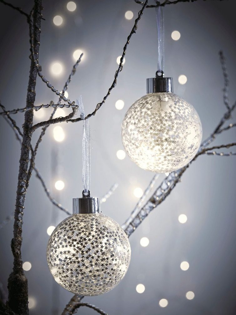 Light up starry baubles