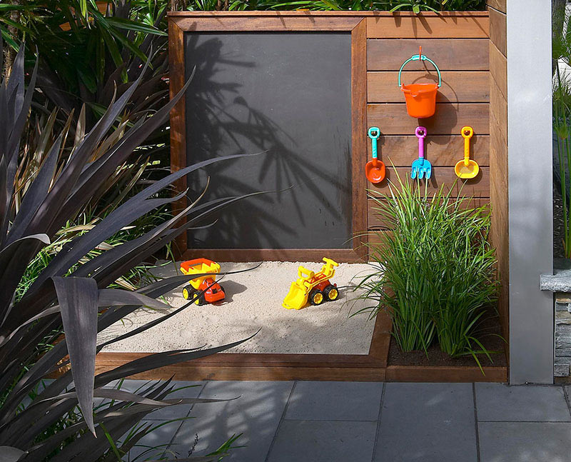 8 Tips To Become The Artist Of Your Own Garden - Image Via RollingStoneLandscapes.com - Melborn International Flower Show 2005