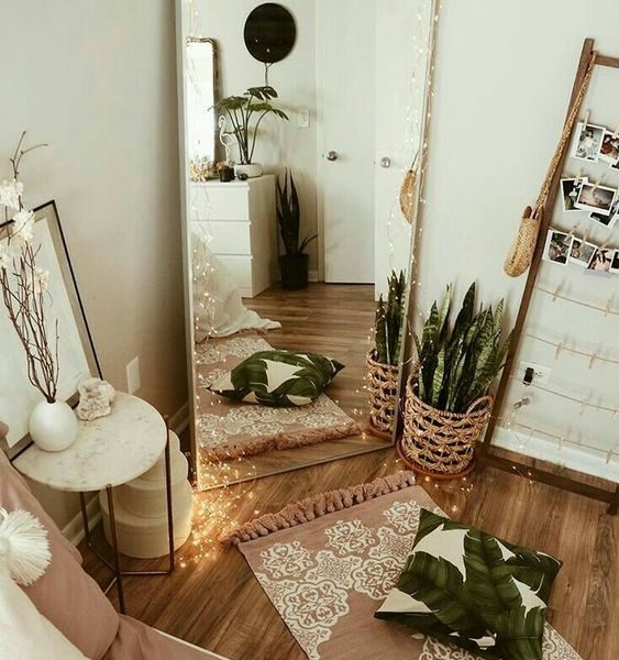 Interior Design Tips For Beginners - Use Mirrors To Enlarge Spaces