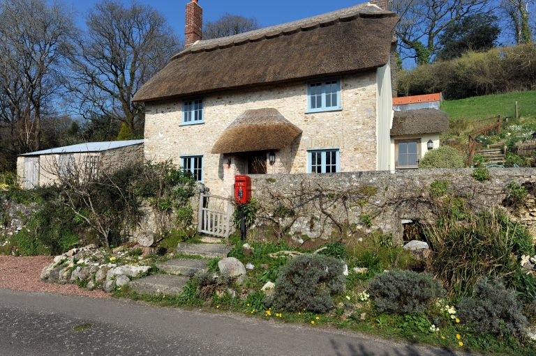 Tips For Choosing The Perfect Holiday Rental - Image Via LymeBayHolidays.co.uk - Upper Cottage, Uplyme, Lyme Regis, Dorset