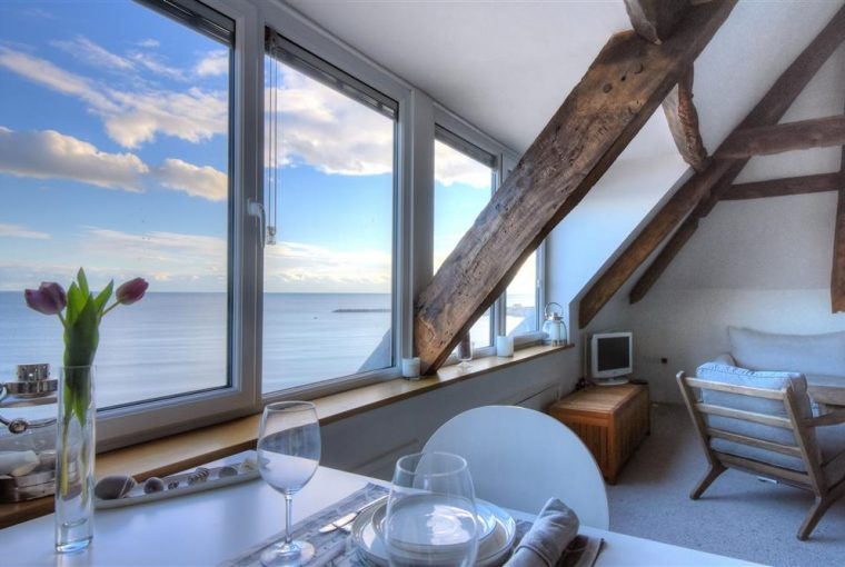 Tips For Choosing The Perfect Holiday Rental - Image Via LymeBayHolidays.co.uk - Austen's Garret Lyme Regis, Dorset