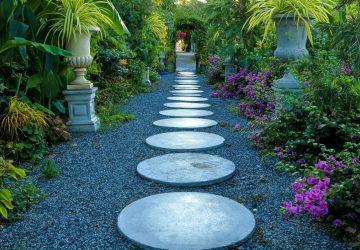 Garden circular paving stone
