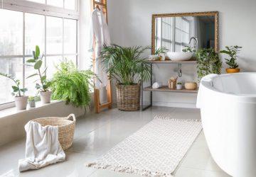 Luxury Bathroom With Plants