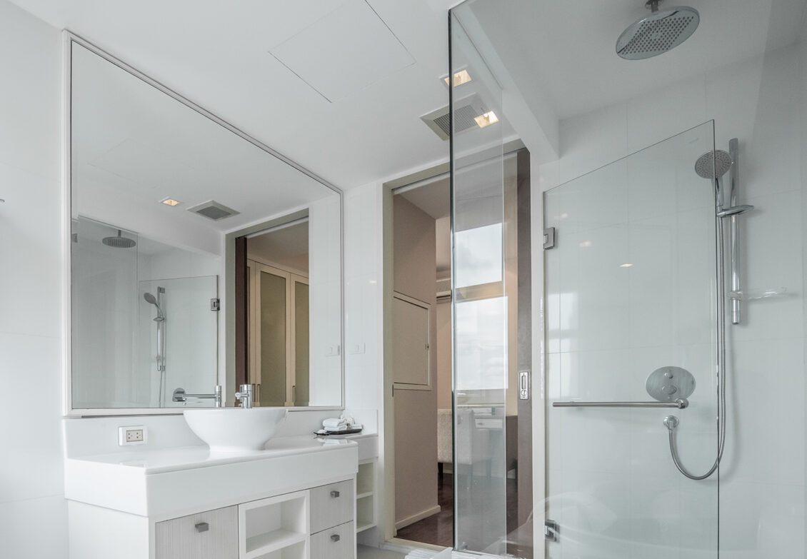 Here S A Quick Way To Make Your Bathroom Feel Larger