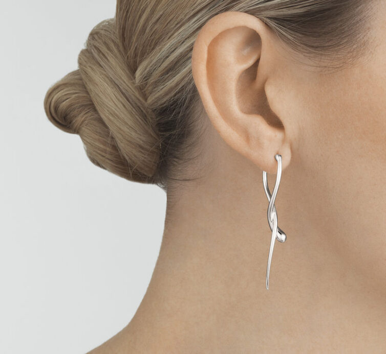 Mercy long silver earrings - From georgjensen.com