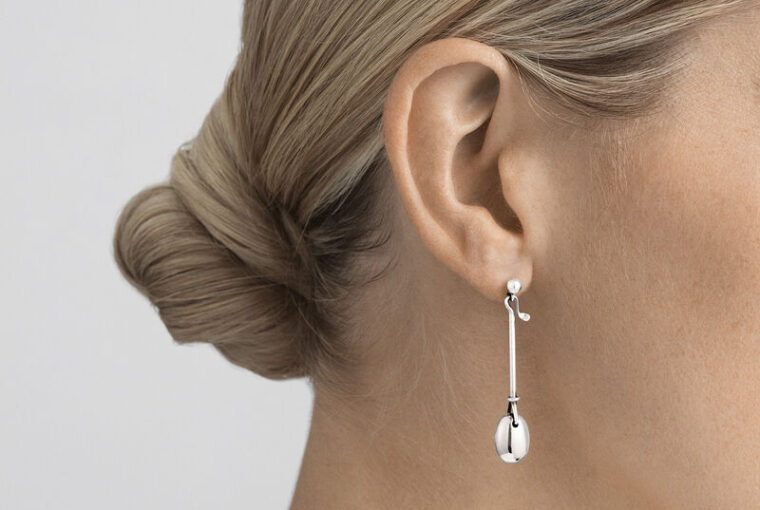 Dew drop long silver earrings - From georgjensen.com
