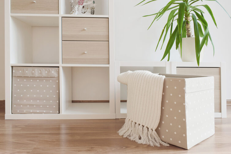 Storage furniture with box and draw inserts